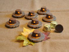 How cute are these Pilgrim Hat Cookies? They are super easy Thanksgiving Treats to make, only require 3 ingredients and involve no baking.