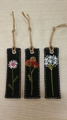 Felt Coin Purse // Hand Embroidered // Sweet Blossoms // L Felt Bookmark, Bookmark Craft, Diy Bookmarks, Wool Embroidery, Wool Applique, Embroidery Stitches, Embroidery Patterns, Diy Broderie, Penny Rugs