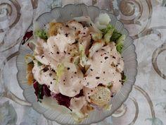 ΥΛΙΚΑ ανάμεικτη πράσινη σαλάτα 1 στήθος κοτόπουλο ψημένο 6-8 φέτες μπαγκέτας φρυγανισμένες ¼ γραβιέρα κομμένη καρέ ½ κ.γ. μπούκοβο … Camembert Cheese, Potato Salad, Potatoes, Ethnic Recipes, Food, Potato, Essen, Meals, Yemek