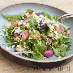 Heerlijke salade met geroosterde radijsjes en appel