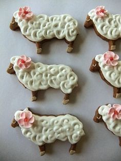 Sheep cookies. I could not find them on the link. Another buttercream possibility.