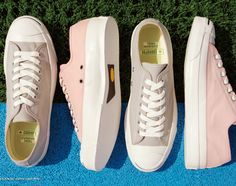 These sneakers are in stock at CONVERSE Addict retailers in Japan. Sock Shoes, Shoe Boots, Shoe Bag, Converse All Star, Converse Shoes, Converse Jack Purcell, Clothes Horse, Fashion Bags, Me Too Shoes