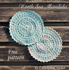 North Sea Mandala - Potholder and Costers Free. - North Sea Mandala - Potholder and Costers Free pattern and photo tutorial by Lilla Björn Beautiful mandalas inspired by the colors and light of the North Sea. Crochet Mandala Pattern, Crochet Circles, Crochet Motifs, Doily Patterns, Crochet Squares, Crochet Doilies, Crochet Stitches, Crochet Patterns, Granny Squares