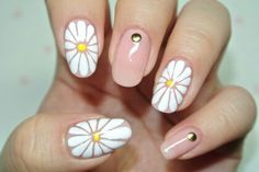Daisies on fingetips 네일아트 No.304 손톱가득 만개한 꽃 네일아트 : 네이버 블로그 http://m.blog.naver.com/luuthienluv/220107262015