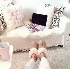 Image discovered by Find images and videos about girl, girly and winter on We Heart It - the app to get lost in what you love. Ugg Classic Mini, Ugg Classic Short, Ugg Snow Boots, Winter Snow Boots, Uggs With Bows, Baskets, Ugg Slippers, Tags, Cozy