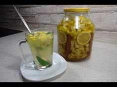 Reteta Ceai detoxifiant de lamaie si ghimbir - YouTube Home Remedies, Cucumber, Mason Jars, Pudding, Stuffed Peppers, Vegetables, Drinks, Cooking, Tableware