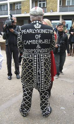 Pearly King Jim of camberwell & Bermondsey - photographed by Gillian Horsup - Button Art, Button Crafts, Old London, East London, Folk Costume, Costume Dress, Greaser, Dapper Dan, Cycle Chic