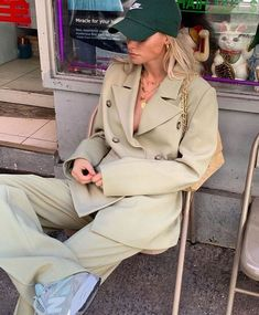 Suits and Sneakers by Claire Rose Cliteur Fashion Mode, Minimal Fashion, Look Fashion, Fashion Trends, Street Fashion, Minimal Style, Korea Fashion, India Fashion, Japan Fashion