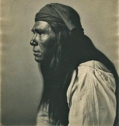 White Mountain Apache man - circa 1900