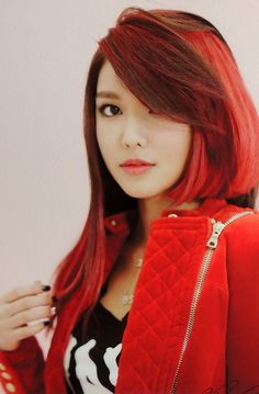 Choi Sooyoung ★ #SNSD #Kpop - I love her hair... i wonder if i could do this with different reds in mine...