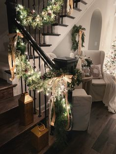 Christmas Home Tour Modern Farmhouse Glam with Silver and Gold Weihnachten Home Tour Mod Noel Christmas, Winter Christmas, Christmas Cactus, Christmas Lights, Mickey Christmas, Christmas Events, Christmas Houses, Christmas Island, Christmas 2019