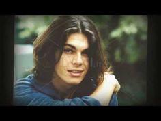 Gianluca Grignani - Destinazione Paradiso - YouTube Kili, Good Looking Men, The Hobbit, Music Artists, Jon Snow, How To Look Better, Crushes, Guys, Youtube