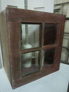 Kleines altes Fenster