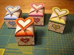 Deň matiek darček nápady (seba) - kossuthsuli.lapunk.hu Mather Day, Gift Wraping, Art Lessons, Origami, Diy And Crafts, Paper Bags, Advent, Google, Diy Ideas