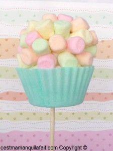 CAKE POP DE PAQUES TOPIAIRE DE MINI CHAMALLOW FAUX CUPCAKE