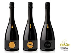 Concours d'étiquette de vin effervescent  Prix Wilaaw Gold 2017  #wilaaw #RNVI #Autajon #vigneronindep Wine Label Design, Wine Packaging, Sparkling Wine, Design Graphique, Sauce, Cigar, Communication, Bottles, Champagne