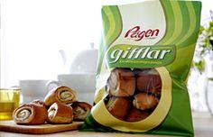 Swedish treats! Like a cinnamon roll with cardamom and almond paste ...