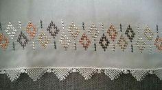 Namaz başörtüsü Zardosi Embroidery, Hand Embroidery, Cross Stitch Borders, Weaving Patterns, Bargello, Table Linens, Crochet Projects, Needlework, Projects To Try