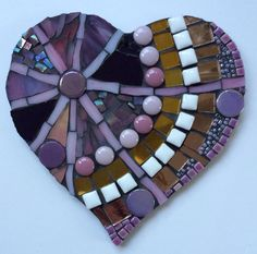 Mosaic heart by Dawn Phillips www.firegems.co.uk Mosaic Diy, Mosaic Garden, Mosaic Crafts, Mosaic Projects, Mosaic Wall, Mosaic Glass, Mosaic Tiles, Glass Art, Mosaic Rocks