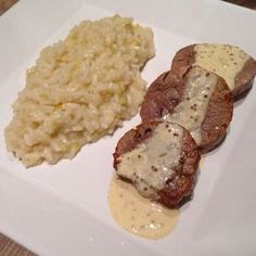Aprenda a preparar a receita de Filé mignon ao molho de mostarda com risoto de alho poró