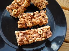 Peanut Buttery & Marshmallow Cheerio Cereal Bars with ChocolateChips - trying to get kids to eat breakfast