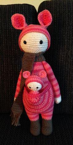 KIRA the kangaroo made by Mika L. / crochet pattern by lalylala