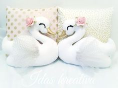 ✨I Love how the golden beaks matches perfectly to the new pillow cases✨ Swan Nursery Decor, Baby Girl Nursery Decor, Unicorn Pillow, Baby Sewing Projects, Felt Birds, Handmade Cushions, Felt Ornaments, Swans, Felt Crafts
