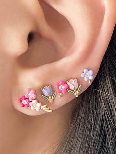 Ear Jewelry, Cute Jewelry, Body Jewelry, Unique Ear Piercings, Cool Piercings, Ohrknorpel Piercing, Mode Kpop, Cute Earrings, Beautiful Earrings