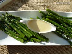Zelená špargľa s parmezánovo-citrónovým maslom - Recept