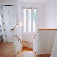 3LDKで、部屋全体/一条工務店/アイスマートについてのインテリア実例。 「3連fix窓。カスミ...」 (2018-10-08 02:54:35に共有されました) Japanese Home Design, Japanese House, Home Stairs Design, House Design, Dormitory Room, Natural Interior, House Stairs, My House, House Plans