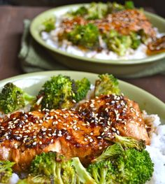 Chili Garlic Salmon and Broccoli Bowls! A healthy weeknight meal ready in less than 20 minutes!