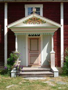 Ol-Anders Farmhouse II: Porch | Runemovägen 6, Alfta, Hälsingland, Sweden. Förstukvist, Ol-Anders Hälsingegård