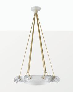 """René Lalique, lustre  """"Eglantine"""", modèle crée en 1926, non continué après 1947"""