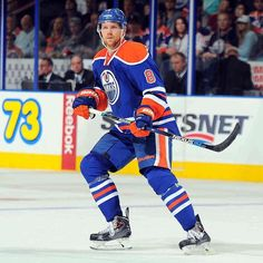 """edmontonoilers: """"The #Oilers have recalled d-man Griffin Reinhart from the Bakersfield @Condors."""""""