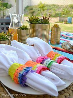 Celebrate Cinco de Mayo with piñata inspired napkin rings from Corey at Tiny Sidekick @tinysidekick