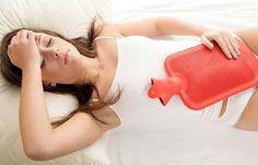 Comment savoir si les femmes ont trop d'œstrogènes ?   L'excès d'œstrogènes peut provoquer des migraines, des douleurs articulaires, des changements d'humeur importants selon le cycle hormonal, ainsi que des règles irrégulières et douloureuses.