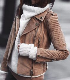 Do you still think winter is not a very good season for your style? Some of Instagram style bloggers can prove that winter isn't that bad! Cozy details, comfort outfits these things are totally works for winter 2017! Go ahead and find the latest winter fashion trends that might work for you.