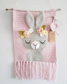 Crochet Baby Toys, C2c Crochet, Crochet Home, Crochet Crafts, Crochet Stitches, Baby Knitting, Crochet Projects, Free Crochet, Crochet Wall Art