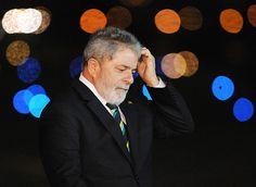 """A deflagração da 22ª fase da Lava Jato deixou Lula irritado. Em nota, ele reclamou da """"tentativa de envolver seu nome em atos ilícitos."""" O problema é simples de resolver. Se não quiser s..."""
