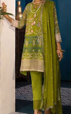 Pakistani Lawn Suits, Pakistani Wedding Dresses, Famous Clothing Brands, Lawn Fabric, Spring Collection, Two Pieces, Kurtis, Chiffon Dress, Winter Outfits