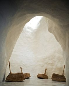 can I live in a white washed cave? Casa Talia / Vivian Haddad and Marco Giunta from Arch Daily