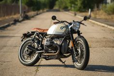 CRD'S New Boxer Twins BMW 1977 R100RS & 1981 R100