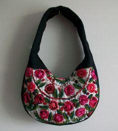 Ethno Tasche Rococo- floral bestickt-schwarz von Época Kunst Galerie auf DaWanda.com