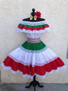 MEXICAN FIESTA,5 DE MAYO DRESS OFFSHOULDER W/RUFFLE 2PIECE w/SMALL TRICOLO SASH #Handmade #OffShoulder #Formal