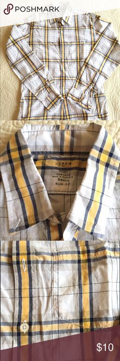J. Crew Light Weight Shirt J. Crew Light Weight casual button up shirt in slim fit. 100% cotton, very light weight summer shirt. Used, but in good condition....no holes, stains, or tears. J. Crew Shirts Casual Button Down Shirts