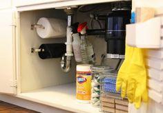 Optimisez l'espace intérieur des placards pour aménager une petite cuisine