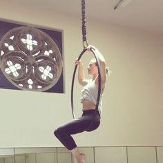 Fun little split spin :) #circus #circusgirl #aerial #lyra #hoop #cerceau #aerialhoop