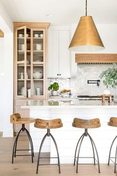 Modern Kitchen Interior Remodeling farmhouse kitchen - When it comes to modern traditional fusion, this Minnesota home nails it. Step inside and see how the designer Bria Hammel transformed this interior. Interior Design Kitchen, Home Decor Kitchen, Kitchen Interior, Home Kitchens, Home, Interior, Kitchen Remodel, Home Decor, Coastal Farmhouse Kitchen
