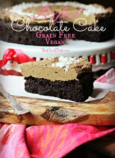 Perfectly fluffy, perfectly moist and perfectly chocolaty is this grain-free chocolate cake! Paleo, Vegan and Gluten Free.