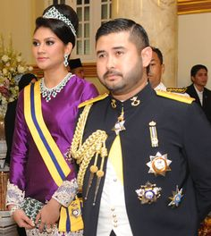 Malaysian Royalty: The Coronation of the Sultan of Johor: Jewels in Focus
